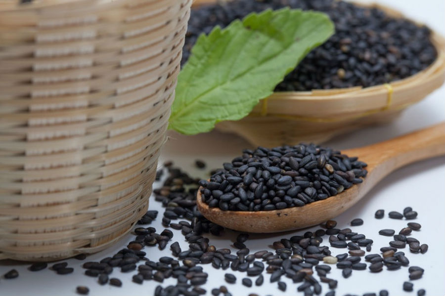 Thức ăn trị thận yếu từ hạt mè đen